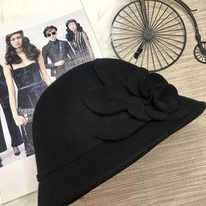 NWT Nine West Wool Winter Bucket Hat w/ Flower